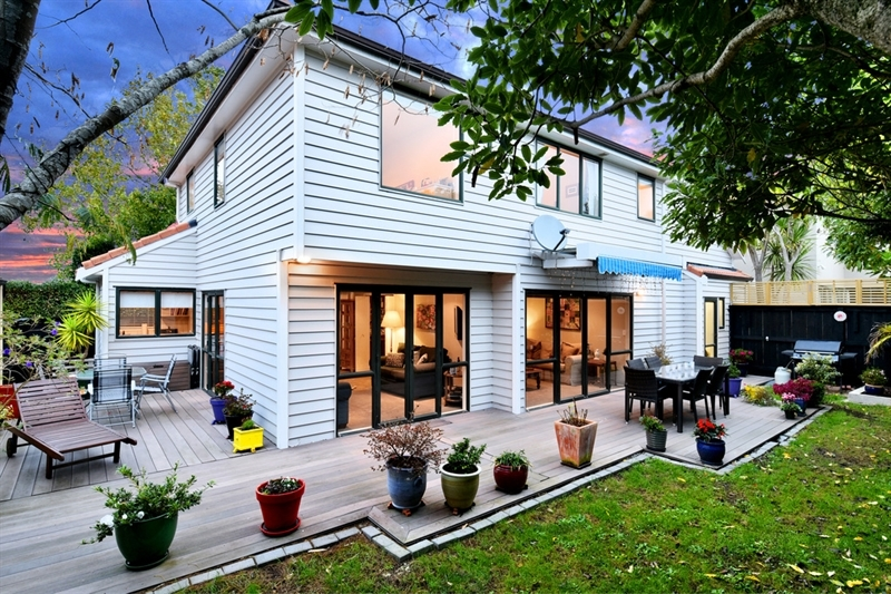 A location to love a house to adore mark prior for 3 kitchener road takapuna