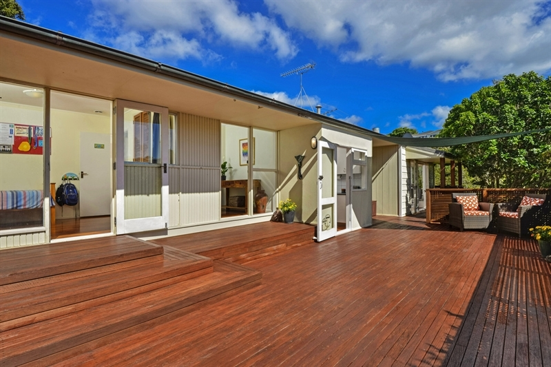 Not just testing the market we re here to sell mark prior for 3 kitchener road takapuna