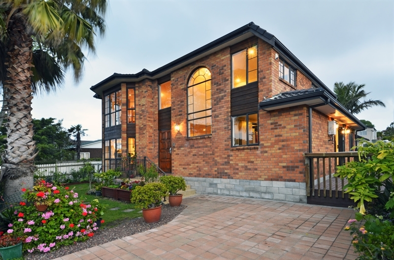 Highly desirable in the westlake zone mark prior for 3 kitchener road takapuna