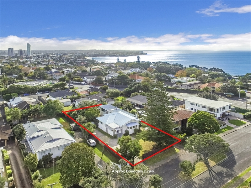 A real estate rarity mark prior for 3 kitchener road takapuna