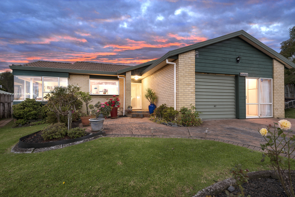 Single level winner owners committed elsewhere mark prior for 3 kitchener road takapuna