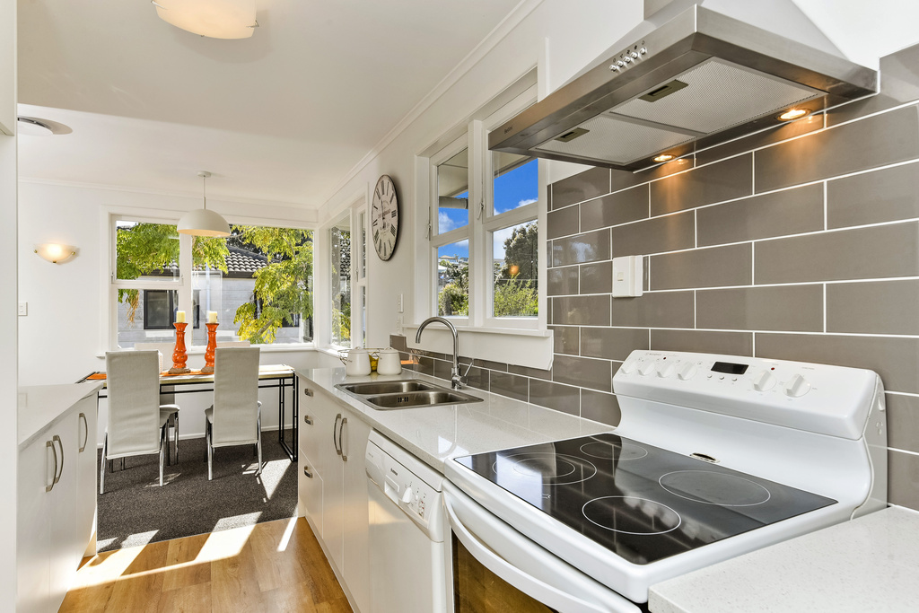 Double whammy mark prior for 3 kitchener road takapuna